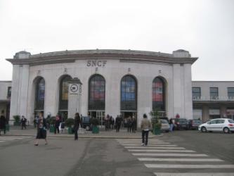 Gare Versailles Chantiers pour Versailles plus